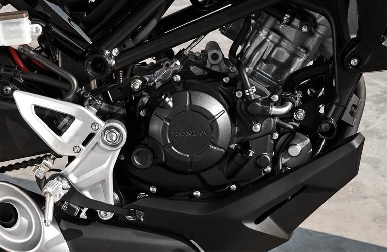 Động cơ DOHC Honda CB150R